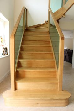Oak Staircase - Woodprojects.co.uk