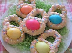 MAKE EASTER BREAD LIKE THIS. SEE NOTE ABOUT BOILING EGGS ONLY 5 MIN. FINISHES IN OVEN Italian Easter Egg Cookies