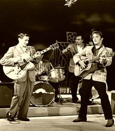 Elvis Presley : First Appearance : The Ed Sullivan Show : September The September 9 Sullivan show reached percent of the TV audience, and Steve Allen hadn't even seen fit to offer an alternative; NBC had showed a movie instead. Rock And Roll, Rock & Pop, Hard Rock, Genre Musical, Rockabilly Music, Rockabilly Style, Scotty Moore, Elvis Memorabilia, Jazz
