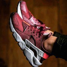 NikeHurachis