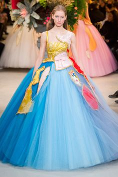 Viktor & Rolf Collection Spring Couture 2017