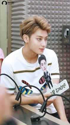 Chanyeol, Tao Exo, Huang Zi Tao, Huang Renjun, Exo 12, Cute Asian Guys, Star Sky, K Idol, Bright Stars