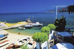 Yunanistan'daki İkaria Adası'nın benzersiz de bir güzelliği var. Dahası, ada sakinleri de çok uzun ömürler sürmeleriyle ünlü. Karayoluyla ulaşılmayan, sadece teknelerle varabileceğiniz, gözlerden uzak kumsalları tercih edin. Seyşeller Kumsalı her zahmete değer.