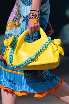 Fashion Bags, Fashion Shoes, Fashion Accessories, Versace Jewelry, Versace Handbags, Versace Fashion, Glitter Shoes, Casual Summer Outfits, Mellow Yellow