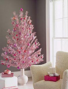 Tinsel Christmas Tree, Pink Christmas Decorations, Retro Christmas, All Things Christmas, Christmas Holidays, Christmas Crafts, Tinsel Tree, Christmas Ideas, Traditional Christmas Tree