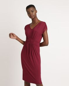 Glam up your daytime looks with minimal effort when you opt for the stylish Binding Trim Dress by Utopia. This fit and frame frock features a gathered waistline and ruching on the capped sleeves. The knee skimming length is perfect for day to night dressing. Pair it up with on-trend minimalist strap sandals and you\'re good to go.