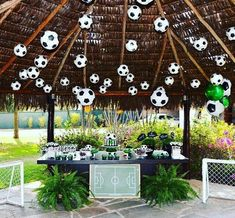 60 Different Soccer Party Photos Soccer Birthday Parties, Football Birthday, Soccer Party, Sports Party, Kids Soccer, 70th Birthday, Banquet Decorations, Party Decoration, Soccer Centerpieces