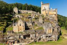 chateau a les-eyzies-de-tayac-sireuil pres de Sarlat