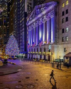 Christmas Tree at NYSE by @chandlelee  New York City Feelings  The Best Photos and Videos of New York City including the Statue of Liberty, Brooklyn Bridge, Central Park, Empire State Building, Chrysler Building and other popular New York places and attractions