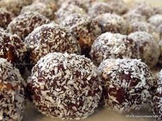 Recipe Cocao and coconut balls (with dried fruit) by Nourish Nutrition, learn to make this recipe easily in your kitchen machine and discover other Thermomix recipes in Desserts & sweets. Biscuit, Gluten Free Carrot Cake, Coconut Balls, Romanian Food, Romanian Recipes, Truffle Recipe, Cinnamon Cream Cheeses, Icing Recipe, Almond Recipes