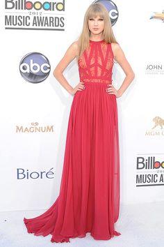 Red carpet: Billboard Music Awards 2012 |  Taylor Swift est toujoues resplendissante lors des gala. Cette rode lui va à merveille.
