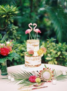 Round Two Tier Semi Naked Wedding Cake and Gold Drip Detailing with Fresh Tropical Flowers, Pink Flamingo Cake Topper Wedding Cake Fresh Flowers, Cool Wedding Cakes, Wedding Cake Toppers, Flamingo Cake, Flamingo Birthday, 40th Birthday, Birthday Parties, Hawaiin Wedding, Sunken Garden