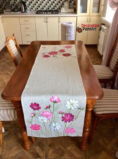 Hand-painted Cosmos Table Runner Rustic Cloth Decoration Holiday Decorations Centerpiece Art painting Burlap Linen Flowers mother's day gift : Cosmos Table Runner/Rustic Table Cloth/Table Painting Burlap, Fabric Painting, Silk Ribbon Embroidery, Hand Embroidery Designs, Floral Bedspread, Fabric Paint Designs, Rustic Table, Diy Table, Table Linens