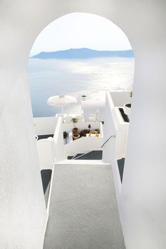 Santorini through the Keyhole |   ✿ Pinterest: ℓuxulƗrɑv | IG:  @ℓuxuriousuℓƗrɑvıoℓeƗ LUXURIOUSULTRAVIOLET.com ✿