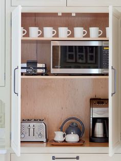 I'd love to have a hidden cabinet with my appliances inside