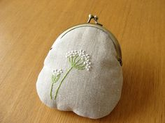 Queen Anne's Lace Hand Embroidered Kisslock Coin Purse
