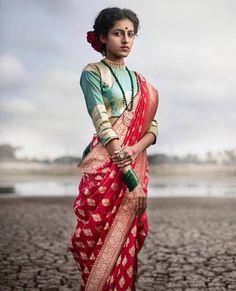 Fresh New Bridal Lehenga & Bridal Saree Designs by Ayush Kejriwal! Saree Draping Styles, Saree Styles, Saree Blouse Patterns, Saree Blouse Designs, Bridal Lehenga, Saree Wedding, Bengali Wedding, Wedding Gowns, Indian Dresses