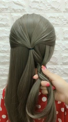 "20 Braid Hairstyles video Tutorials in Hairstyles, "" In 2019 Braid hairstyle has always been a symbol of beauty. And no matter, short or long hair, hair with braids will always give originality, mysterio. Braided Hairstyles Tutorials, Up Hairstyles, Pretty Hairstyles, Hairstyle Ideas, Bob Hairstyle, Easy Wedding Hairstyles, Easy Hairstyles For Short Hair, Bridesmaid Hairstyles, Teenage Hairstyles"