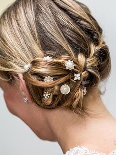 Weding hairstyles for long hair with a hairpin