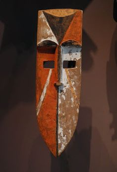 Early C Nigeria: Igbo-Afikpo [subgroup] mask; wood, fibre, and pigment. Arte Tribal, Tribal Art, African Masks, African Art, Atelier D Art, Art Premier, Art Africain, Art Sculpture, Masks Art