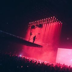 saint pablo tour - Twitter Search Concert Photography, Art Photography, Saint Pablo, Concert Stage Design, Kanye West Style, Visual Aesthetics, All Of The Lights, Scenic Design, Stage Lighting