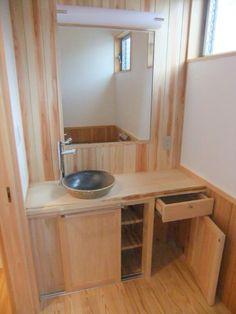 大工が作るオリジナル収納棚(桧の太い梁のある家)奈良県橿原市・木の家・秦建築