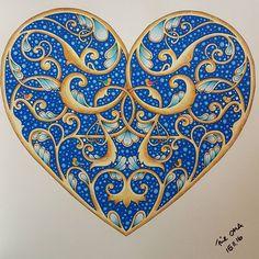 #johannaschristmas#johannabasford#christmas#polychromos#fabercastell#poscapen#uniballsignowhite#heart#grandmainlove❤️