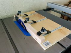 Woodworking Circular Saw Table Saw Straight Line Rip Jig - Circular Saw Table, Best Circular Saw, Table Saw Workbench, Table Saw Jigs, Wood Jig, Wood Lathe, Jet Woodworking Tools, Woodworking Projects, Woodworking Jointer