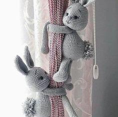 Diy Pillows Videos Black And White - Amigurumi Crochet Teddy, Crochet Bunny, Crochet Dolls, Knitted Dolls, Crochet Animal Patterns, Stuffed Animal Patterns, Crochet Animals, Nursery Toys, Diy Pillows