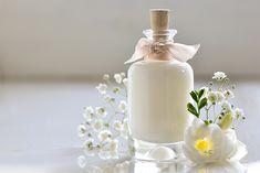 Olvídate de los productos de venta en supermercados llenos de ingredientes químicos y da paso a la cosmética natural. ¡Mucho más sana y segura!