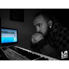 Via Instagram LAEMINENCIAreal Enfoque! Next -> #MusicaComputarizada  @laqadramusic #DondeSiSeHaceMusic  #estudiodegrabacion #studioflow #LaEminencia . . . . . . .  #productormusical  #protools #flstudio #dembow #reggaeton #musicaurbana  #beats #producer #fruityloops . . . . . . . . .#siguemeytesigo #tw