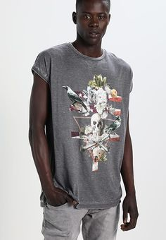 https://www.zalando.pl/yourturn-t-shirt-z-nadrukiem-grey-yo122oae6-c11.html