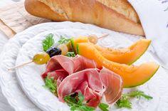 Ham with melon and olives - Ham with melon and olives