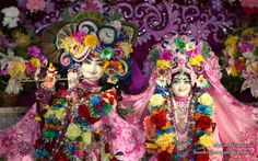 To view KIshore Kishori Close Up Wallpaper of ISKCON Chicago in difference sizes visit - http://harekrishnawallpapers.com/sri-sri-kishore-kishori-close-up-iskcon-chicago-wallpaper-016/