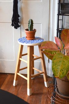 2 Ways to Update the Humble Wooden Stool with Pattern & Color