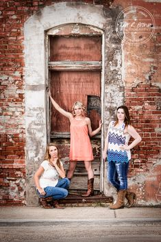 Mandi Clausen - Lizzie Buccambuso - Heritage High School - Lone Star High School - Senior Portraits - Senior Model Reps - Class of 2016 - Downtown Prosper - Country Chic - Summer - Senior Pictures - Grungy - Texas - Cowboy Boots - Country - #seniorportraits - Ideas for Girls - Ideas for Friends - Tyler R. Brown Photography