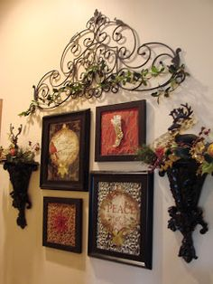Tuscan wall groupings - I want in my kitchen (but not christmas stuff of course! Tuscan Living Rooms, Living Room Decor, Tuscan Bedroom, Dining Room, Tuscan Decorating, French Country Decorating, Tuscany Decor, Wrought Iron Decor, Wall Groupings
