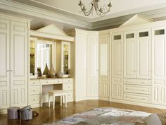 classic bedroom wardrobes - Google otsing Fitted Bedroom Furniture, Fitted Bedrooms, Bedroom Frames, Bedroom Sets, King Bedroom, Large Bedroom, Floor To Ceiling Wardrobes, Platform Bedroom, Bedroom Cupboards