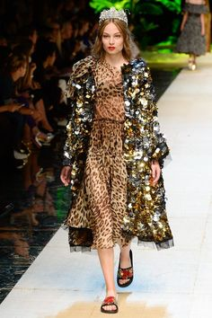 See the complete Dolce & Gabbana Spring 2017 Ready-to-Wear collection.