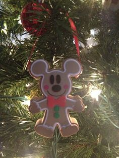 The Busy Broad: DIY Disney Ornaments