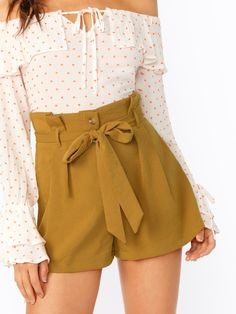 Casual Plain Straight Leg Regular Button Fly High Waist Yellow Paperbag High Waisted Button Fly Shorts with Belt Crop Top Outfits, Trendy Outfits, Summer Outfits, Cute Outfits, Fashion Outfits, Patterned Pants Outfit, Short Skirts, Short Dresses, Estilo Fashion
