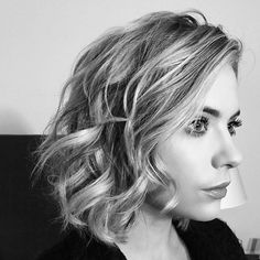 Picture perfect curls on Ashley Benson. Ashley Benson, Ryan Ashley, Troian Bellisario, Shay Mitchell, Lucy Hale, Pretty Little Liars, Cut Her Hair, Hair Cuts, Victoria