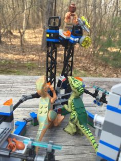 Jurassic World LEGO Set Raptors Looking At Searchlight