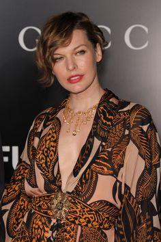 Milla Jovovichs glamorous, retro hairstyle