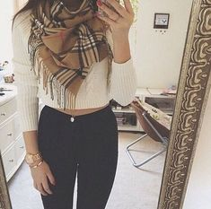 Awesome 45 Cute Winter Outfits Ideas For Teen Girl. More at https://trendwear4you.com/2018/01/14/45-cute-winter-outfits-ideas-teen-girl/