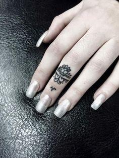 Stylish Finger Tattoo #ILoveTattoos!