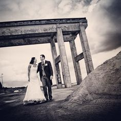 Bryllupsfoto fra Hobro havn #hobro #havn #brud #gom #bryllup #bryllupsbilleder #bryllupsfotograf #bryllupsforberedelse #wedding #weddings #weddingdress #weddingforum #weddingphotos #weddingdetails #weddingpictures #weddinginspiration #weddingphotographer #fotograf #voresstoredag