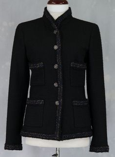 Chanel. This example perfectly illustrates a true classic. It's very similar to pattern #8259.
