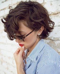 Taglio corto per capelli mossi