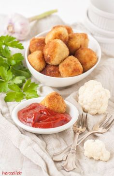 Nuggets Recipe - snack that kids and adults love - Airfryer - Baby Food Recipes, Indian Food Recipes, Snack Recipes, Cooking Recipes, Vegetarian Recipes Easy, Healthy Recipes, Amazing Food Photography, Cauliflower Recipes, Cauliflower Nuggets